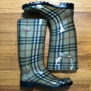 New Burberry plaid rubber rain boots Made in Italy